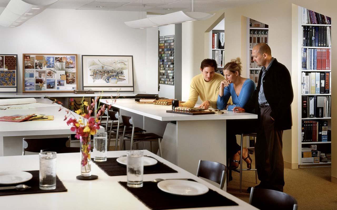 Hiring-an-interior-designer-Image-Courtesy-WhatSimplyWorks-1